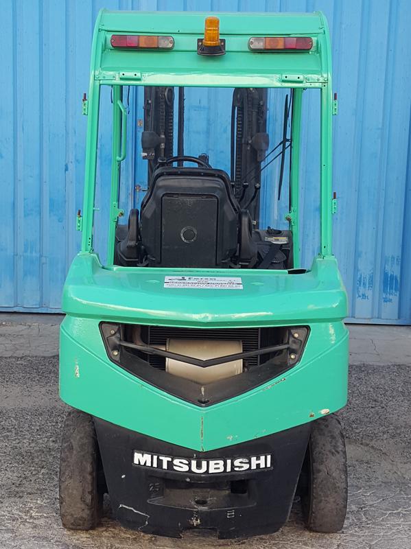 Carretilla Elevadora Diésel Mitsubishi FD25N